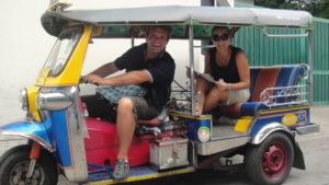 Si inizia con le moto, Bangkok - agosto 2012